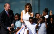 US-First Lady Melania Trump blamiert sich bei Einweihung des Washington Denkmals –   Video